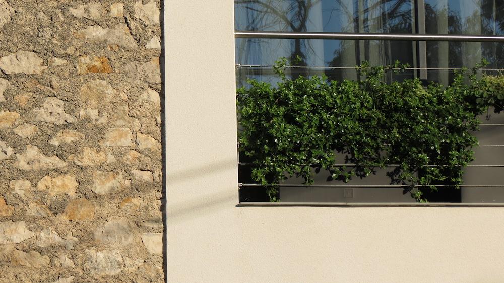fenêtre d'une chambre